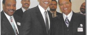 barack-obama-louis-farrakhan-photo-696x479