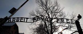 Auschwitzmaingate