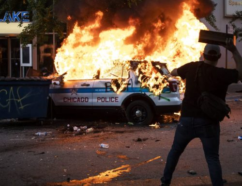 Rioters Smash, Loot Businesses as Violence Erupts in Chicago in Response to False Report Posted on Social Media